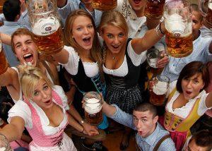 oktoberfest-festa-birra-ragazze-orari-come-arrivare-monaco-di-baviera-guida